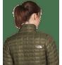 jaqueta-w-thermoball-eco-verde-3Y3QXYV-4